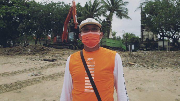 Sampah di Pantai Kuta