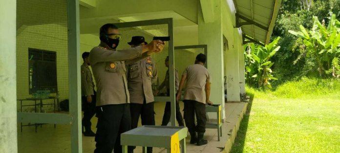 Menembak